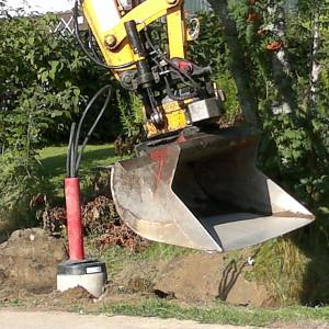 Katuvaloverkoston rakentamisen kaivutyöt ja pylväsjalustojen asennus2